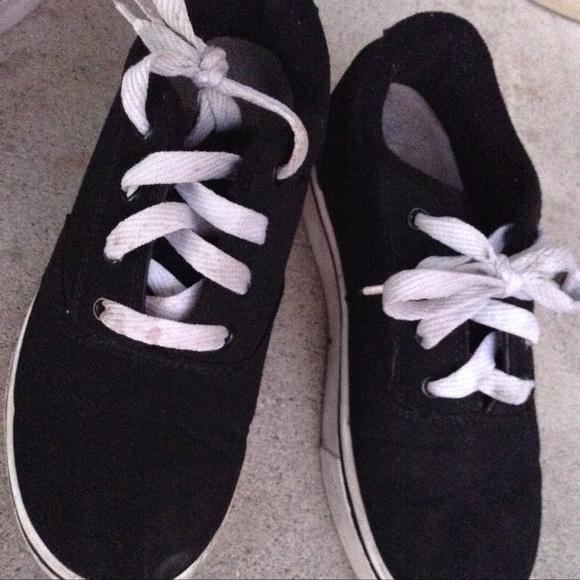 Heelys Skate Shoes Black W White Laces